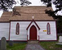 View of the front facade of St. Mary's Anglican Church, Elliston, NL.; © HFNL/Deborah O'Rielly 2004
