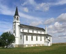 View northeast at south and west elevations of church building, 2004.; Government of Saskatchewan, Marvin Thomas, 2004.
