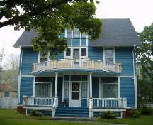 Front facade, Lawson House, Yarmouth, 2004; Heritage Division, NS Dept. of Tourism, Culture and Heritage, 2004.