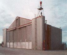 Hangar HAL B14A Classified Federal Heritage Building; (Canada, North Warning System Office, 1998.)