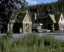 Side view of Building 1, showing the half-timbering featured on the upper half of the building, 1985.; Parks Canada Agency / Agence Parcs Canada, 1985.