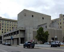 General view of the Royal Manitoba Theatre Centre, showing its Brutalist design, 2007.; Parks Canada Agency / Agence Parcs Canada, Andrew Waldron, 2007.