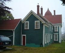 Rear elevation showing addition and carriage house, Lovitt House, Yarmouth, 2004.; Heritage Division, NS Dept. of Tourism, Culture and Heritage, 2004.