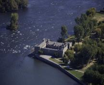 Aerial view of Fort Chambly National Historic Site of Canada, 2009.; Agence Parcs Canada | Parks Canada Agency, 2009.