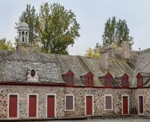 Detail of the inner court at Fort Chambly; Agence Parcs Canada | Parks Canada Agency, Miguel Legault.