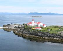 General view of Green Island Lighthouse and related buildings, 2010.; Kraig Anderson - lighthousefriends.com