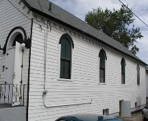 Side elevation. Victoria Road United Baptist Church, Dartmouth, Nova Scotia, 2005.; Heritage Division, NS Dept. of Tourism, Culture and Heritage, 2005.