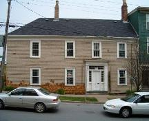 Original section of house from Dresden Row, Bollard House, Halifax, 2004.; Heritage Division, Nova Scotia Department of Tourism, Culture and Heritage, 2004