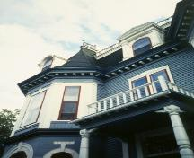 Detail of main facade of Sutherland Place, St. John's, NL.; HFNL 2005