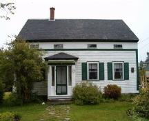 Front elevation, Crowell-Smith House, Barrington Passage, 2004; Heritage Division, Nova Scotia Department of Tourism, Culture and Heritage, 2004