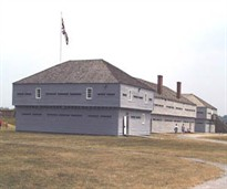 Blockhouse at Fort George, Parks Canada / Blockhaus au Fort-George, Parcs Canada