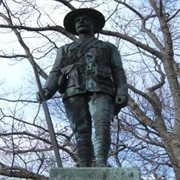 Statue of a Boer War soldier in Riverview Memorial Park, City of Saint John / Une statue d'un soldat de la Guerre des Boers, ville de Saint John