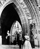 King George VI and Queen Elizabeth at the Parliament Buildings, 1939, LAC C-017440 / Le roi Georges VI et la reine Elizabeth sur la colline du Parlement, 1939, BAC C-017440